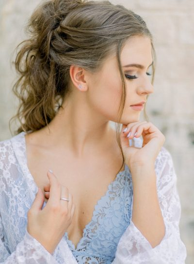 BRIDAL INSPIRATION WITH TOUCHES OF BLUE
