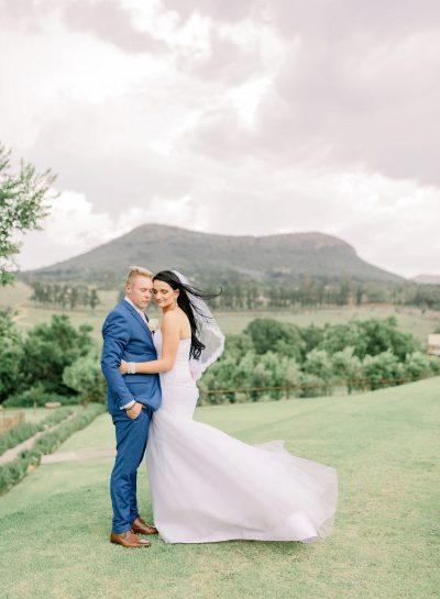 A JOYFUL ROMANTIC CRADLE VALLEY WEDDING