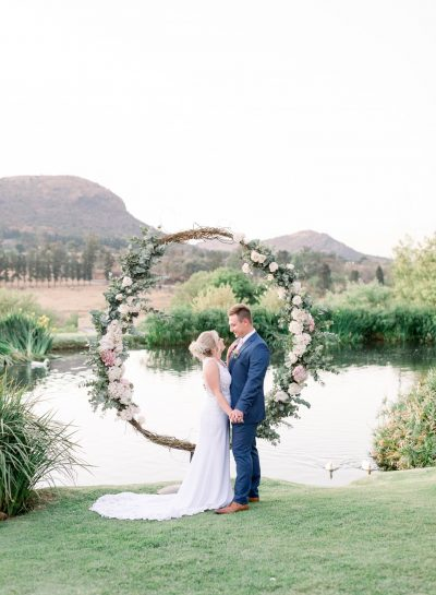 ROMANTIC NAVY & PINK WEDDING